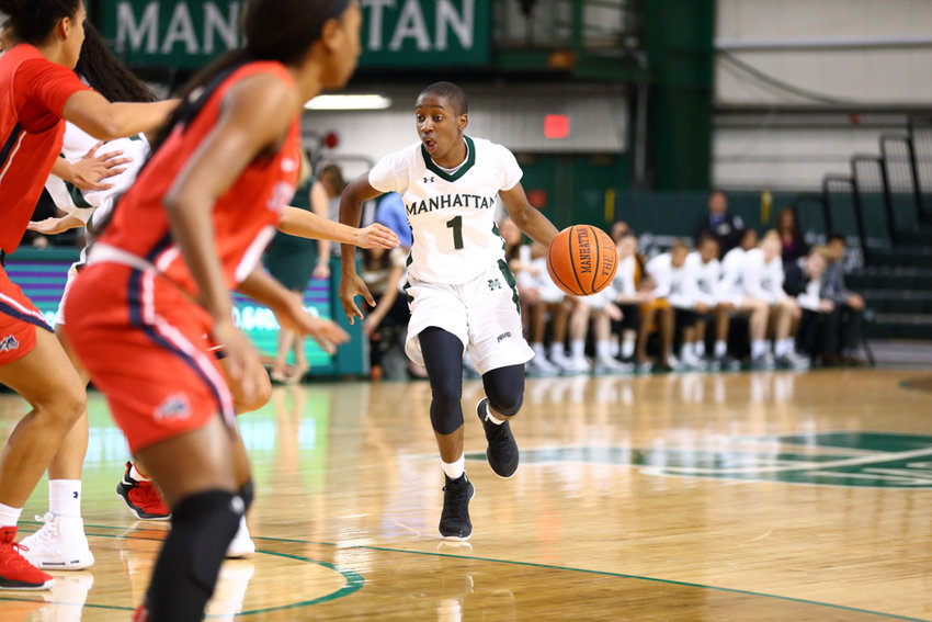 Manhattan freshman guard D'Yona Davis, the current MAAC rookie of the week, leads a young Jaspers team in scoring with 11.5 points per game.