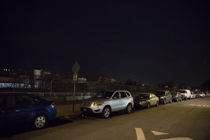 A wide stretch of the west side of Albany Crescent north of West 231st Street is devoid of any street light. Neighbors have voiced concerns about the street's lack of illumination.