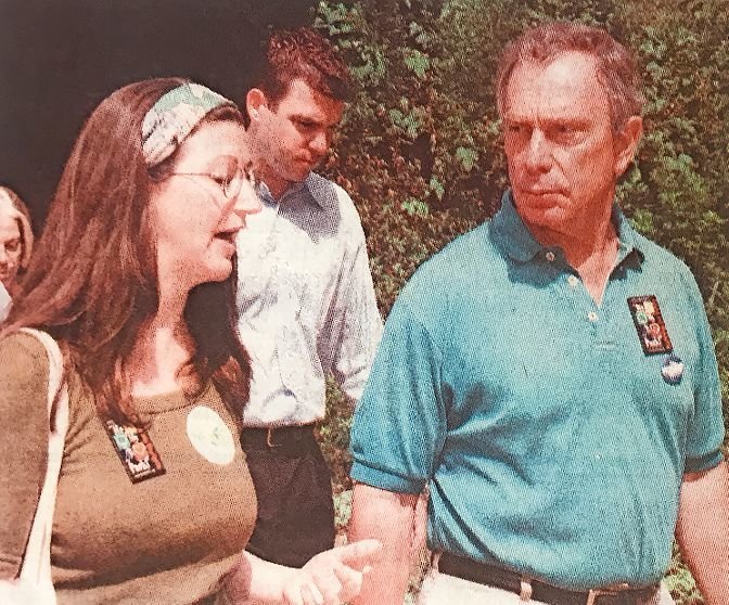 Jodie Colon, founder of Friends of Spuyten Duyvil, shows then-mayoral candidate Michael Bloomberg what Henry Hudson Park is like in order to make the case that the city needs more staff workers and more money to take care of its park land.