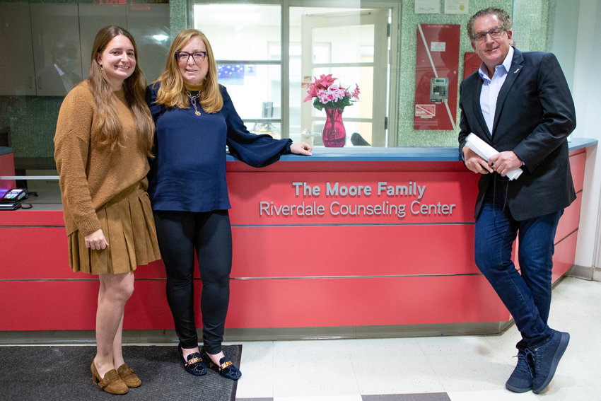 David Moore joined wife Lori and daughter Jami at the ceremony transforming what was the J.W. Beatman Counseling Center on West 239th Street to the David and Lori Moore Family Riverdale Counseling Center. The facility is home to a counseling team offering treatment in English, Russian and Spanish.