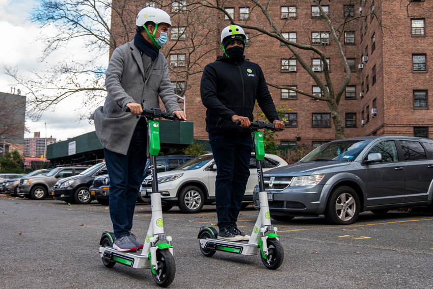 Electric scooters could soon make their way to the northwest Bronx as part of a pilot program. Councilman Ydanis Rodriguez — who's also the city council's transportation committee chair — hosted an e-scooter demonstration recently at the Marble Hill Houses Community Center to introduce the potential new way of getting around.