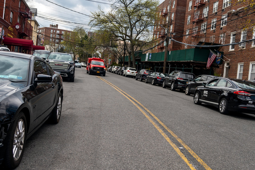 The question addressed to Community Board 8's traffic and transportation committee: Should the neighborhood prioritize bicycle lanes or double-parking? And while the committee established double-parking was still illegal, bike riders didn't fare well, as the committee struck down bike lanes on Mosholu Avenue.
