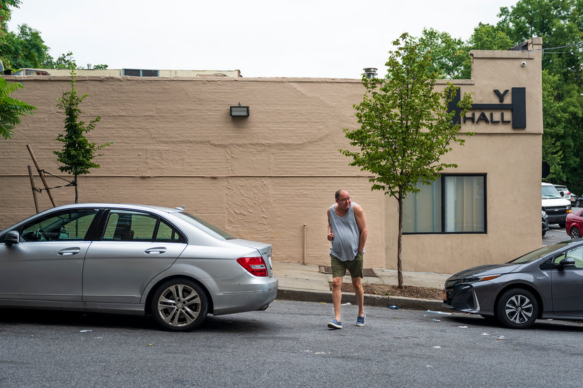 A new homeless shelter is coming to 6661 Broadway designed to provide a place to stay for 130 singles men as early as 2023. But if past proposals are any indication, Community Board 8 is expected to put up a fight to stop it from happening, beginning with an Oct. 13 meeting by CB8's health, hospitals and social services committee.