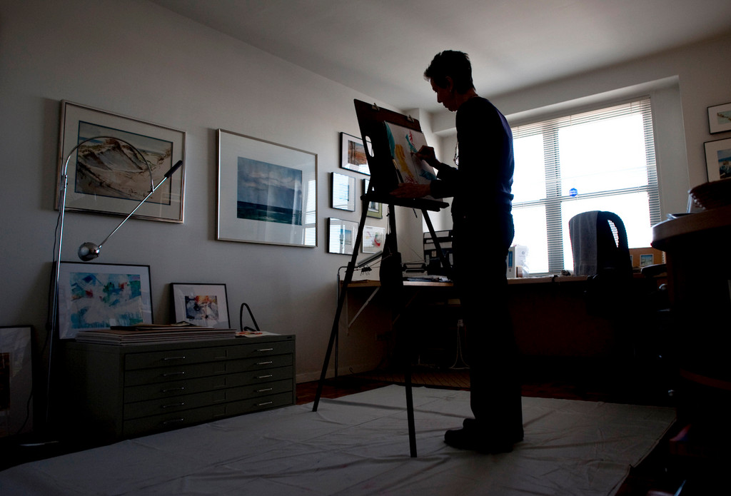 Riverdale watercolorist Ruth Hurd works in her Spuyten Duyvil studio on Jan. 17.