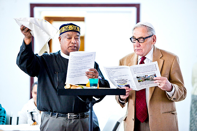 Father Delgado, from the Church of the Mediator and Rabbi Burt Aaron Siegel from The Shul of New York, lead the First Annual Hispanic/Jewish MultiCultural Passover Seder.