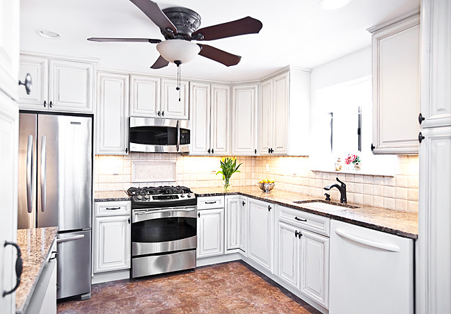 When Angela and Phillip Conran decided to upgrade the kitchen and bathrooms in their North Riverdale home, they turned to the nearby experts at New Visions Kitchens and Baths. The couple was delighted with their 'Tuscan-style' kitchen.