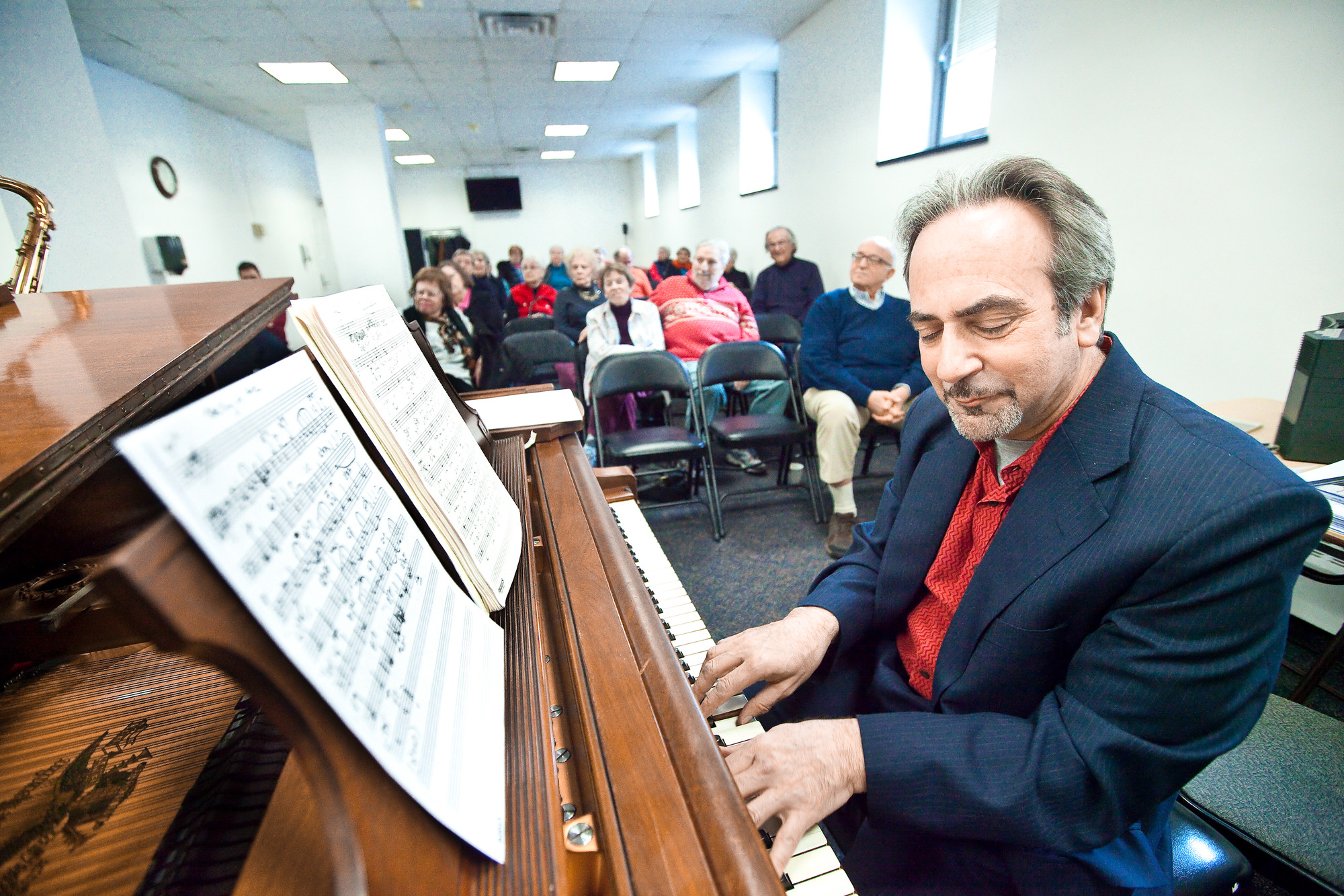 Rob Silverman gladly plays and gladly teaches at Manhattan's 92nd Street Y on March 14.