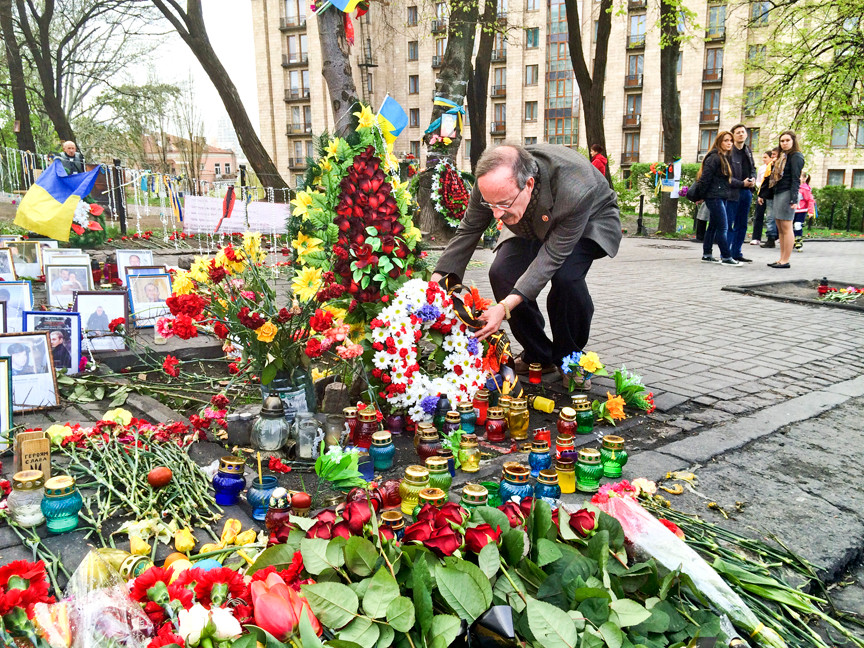Congressman Engel lays a wreath from Yonkers� Ukrainian community at Maidan Square in Ukraine�s capital of Kiev.