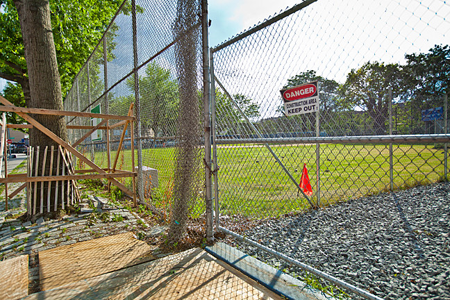 Cooney Grauer Field on Bailey Avenue between West 233rd street and West 234th Street is set to re-open in the fall of 2014 according signs posted by the Department of Parks and Recreation.