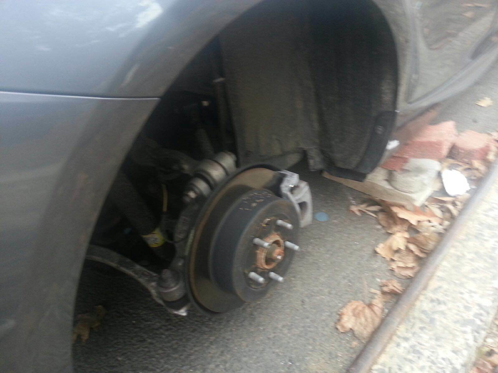 As Parts Costs Rise So Do Rim And Tire Thefts The Riverdale Press