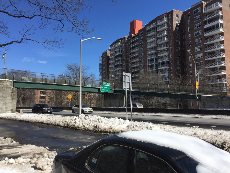 Con Edison will repair the lights at the pedestrian footbridge at 235th Street and Henry Hudson Parkway. Residents said the area had no lighting at night, which caused safety concerns.