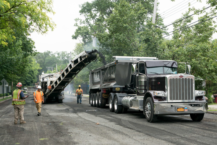 Repaving of Mosholu Avenue resulted in the surprise closure of Exit 22 on Henry Hudson Parkway.