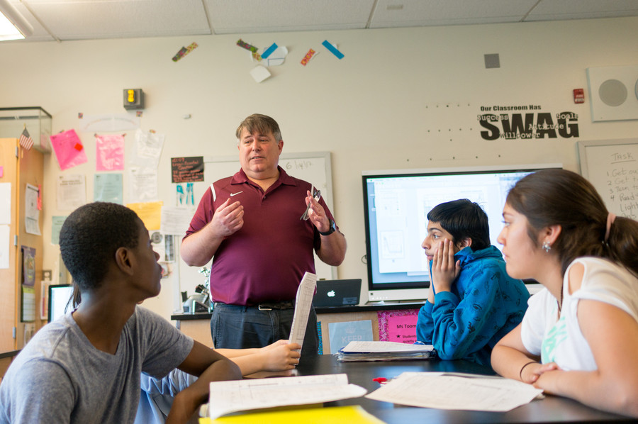 Michael Halpern reviews topics that will be on the New York State Regents exam for earth science. After 32 years, Halpern is retiring from P.S./M.S. 95 Sheila Mencher. He is the nephew of the late Sheila Mencher, who the school is named after.