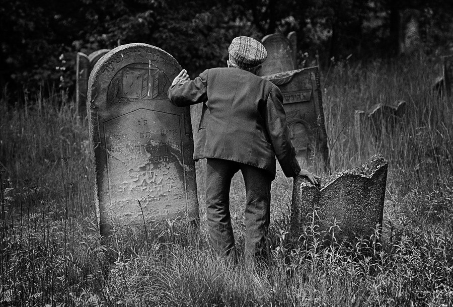 Fishman photographed Mosses Lekker, the caretaker of a Jewish cemetery in Lodz, Poland, in 1975.