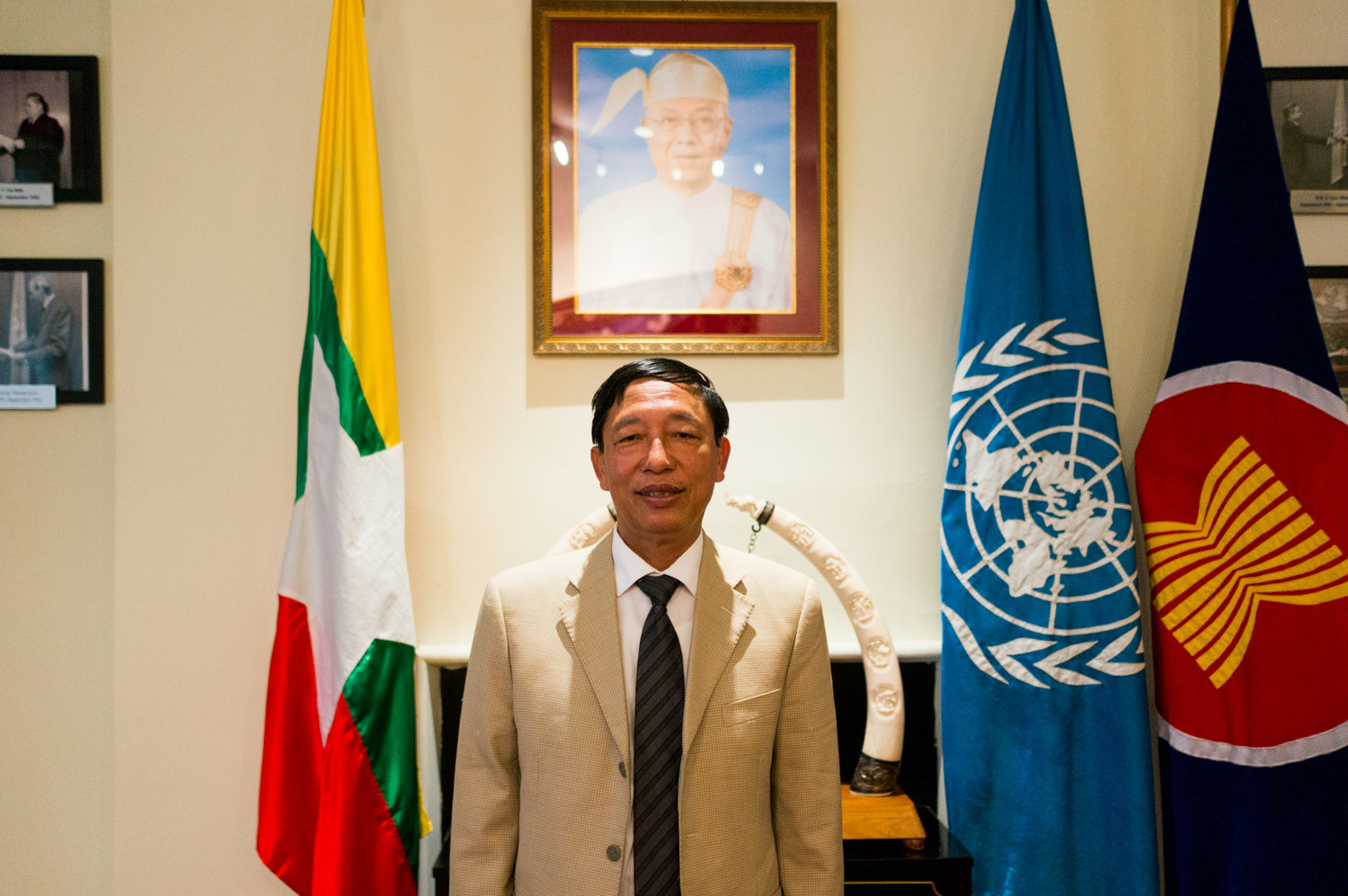 Hau Do Suan, the Burmese ambassador to the United Nations, maintains that the government wants to find a lasting, peaceful solution to the crisis in the Rakhine state in Myanmar, and professes not to know the root causes of why half a million people have fled the country.