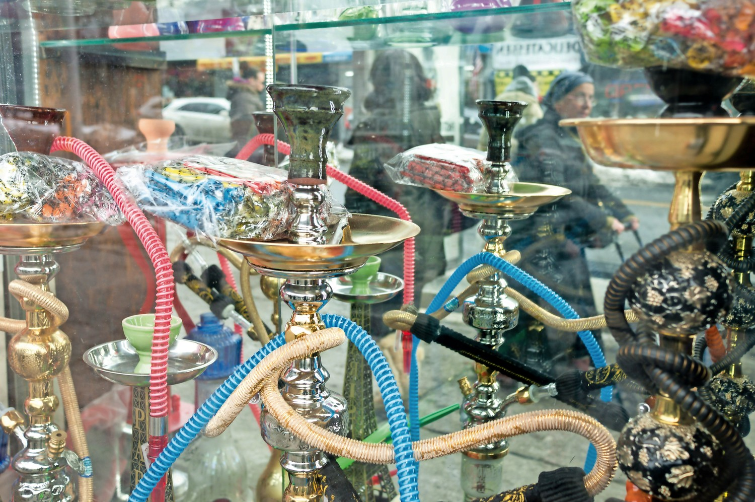 Hookah is a popular alternative to cigarettes, but it presents many of the same health risks. Tobacco for hookah pipes is often flavored. In a video by the American Thoracic Society, children in a blind smell test had a hard time telling the difference between candy and flavored tobacco.