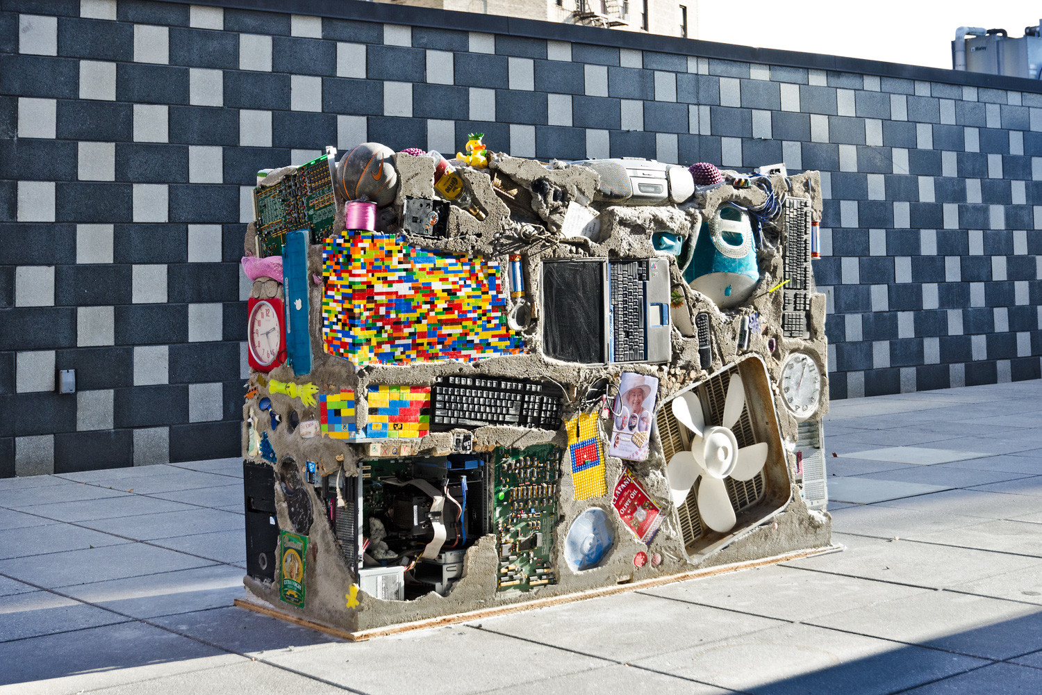 'Garbage Wall' is just a collection of trash. But to artist Gordon Matta-Clark, it expresses his concerns for homelessness in 1971.