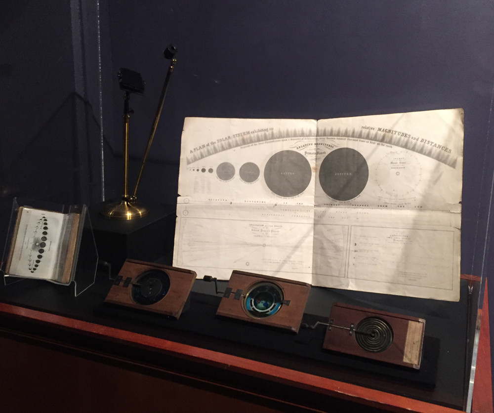 The Hudson River Museum explores 19th century discoveries of light waves and the solar system with different instruments and materials that include an atlas, a mirror demonstration of light waves, and mechanical slides that would show students illustrations of these findings.