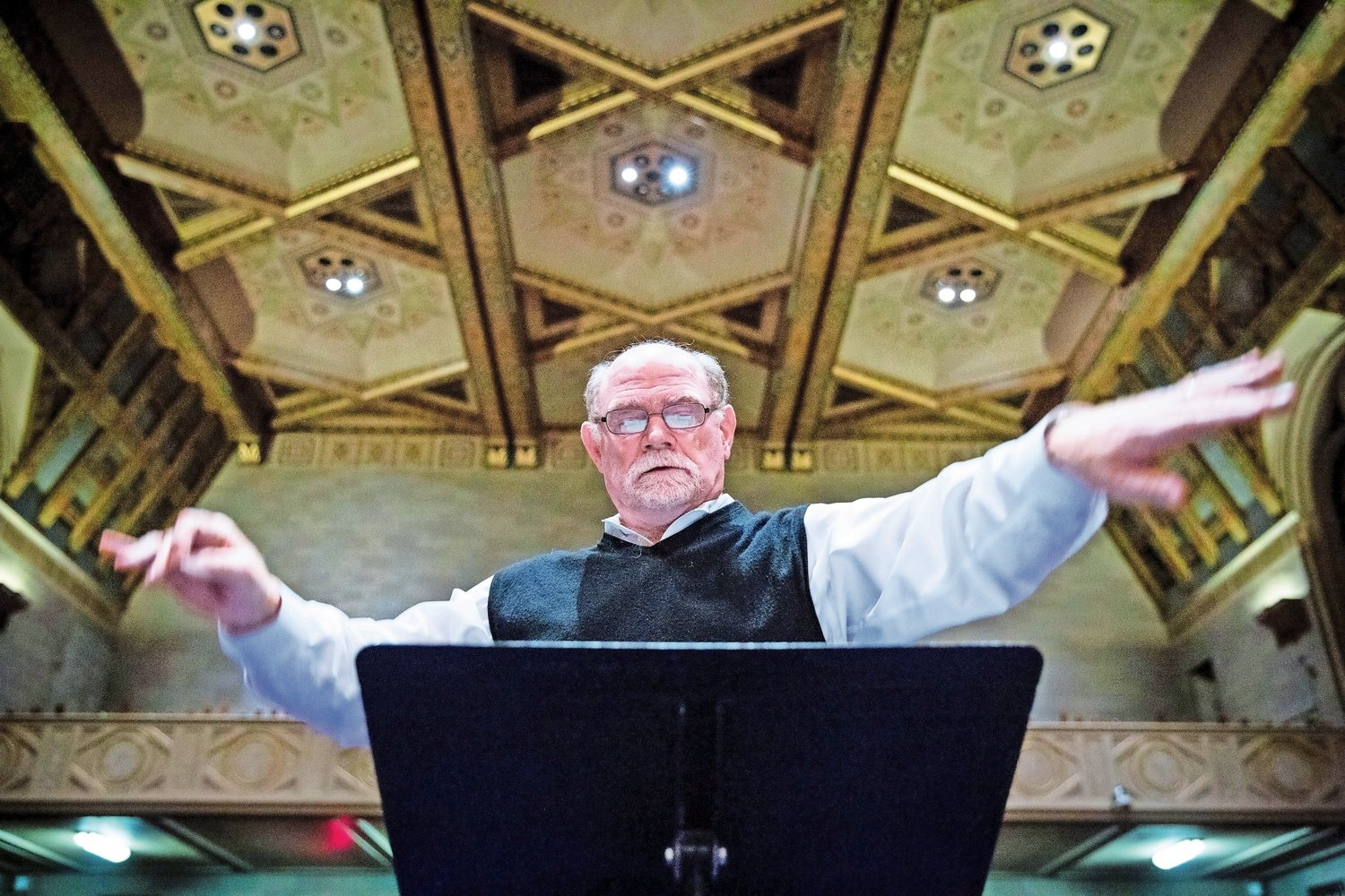 Patrick Gardner, conductor of the Riverside Choral Society, leads a rehearsal of 'Annelies,' a concert featuring excerpts from 'The Diary of Anne Frank,' ahead of a performance on Nov. 11 at Congregation Rodeph Sholom.