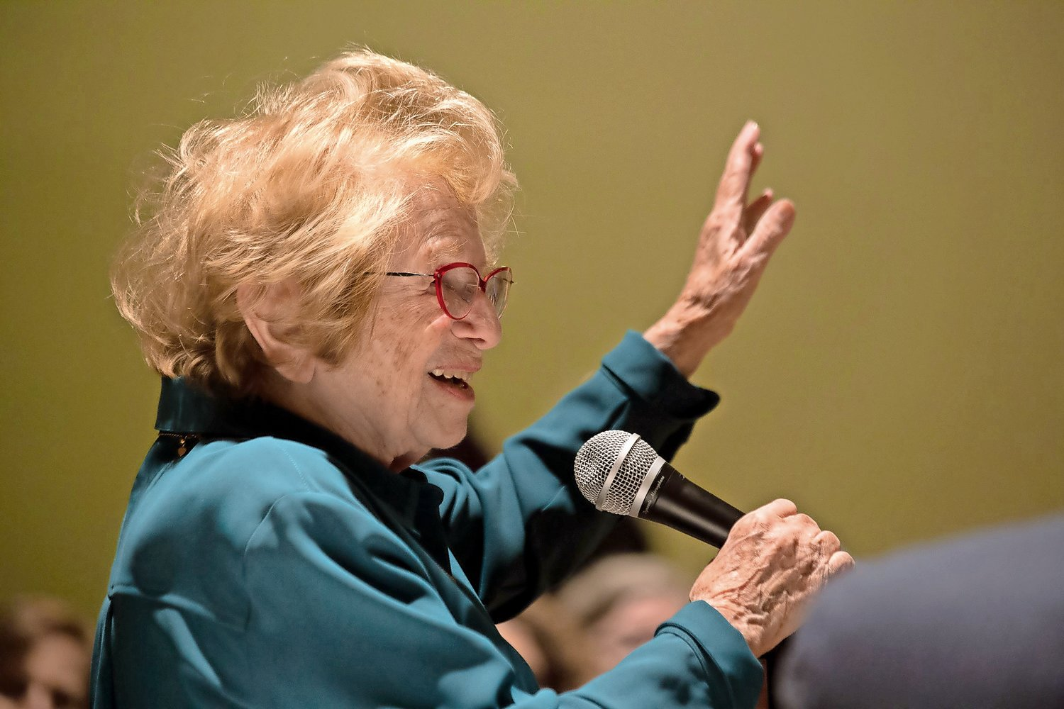Author and sex therapist Dr. Ruth Westheimer speaks to a enthusiastic audience about her life and career at the Conservative Synagogue Adath Israel of Riverdale.