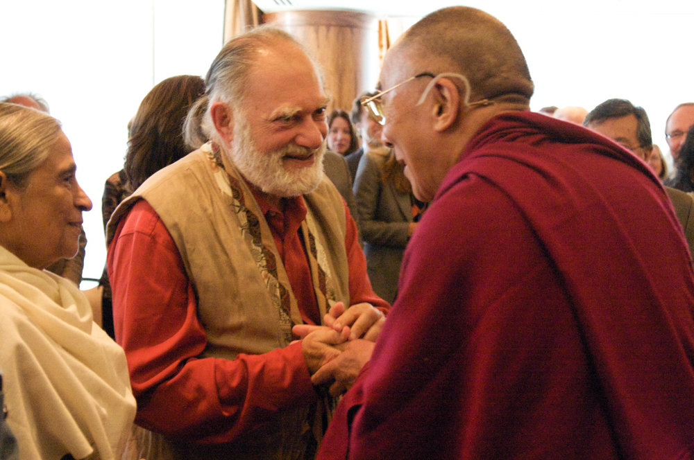 Bernard Glassman, center, shakes hands with the Dalai Lama in 2009. Glassman was a Zen Buddhist who died Nov. 4 at 79.