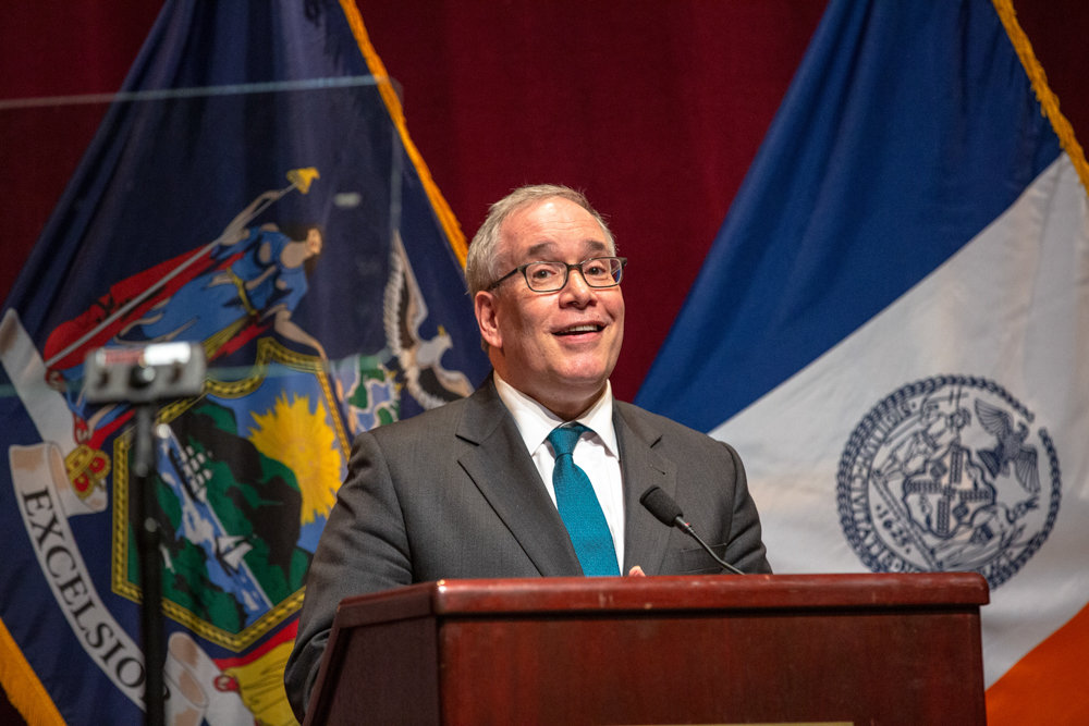 City comptroller Scott Stringer welcomes incoming state Sen. Alessandra Biaggi at her inauguration ceremony last weekend at Lehman College.