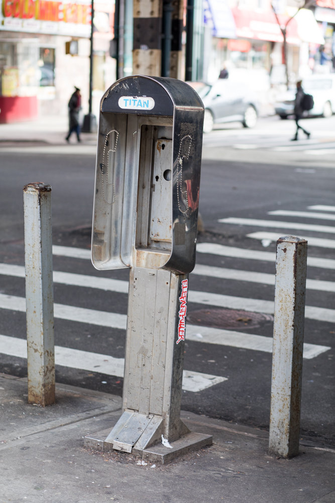 A defunct pay phone near 5571 Broadway might totally disappear with a LinkNYC kiosk taking its place in the not-too-distant future, said Community Board 8 traffic and transportation committee chair Dan Padernacht. The kiosks would offer a range of services — including free Wi-Fi and smartphone charging — but they've also given rise to controversy over reportedly salacious material accessed on the structures' tablet-based web browsers — which the company removed in 2016 after receiving complaints.