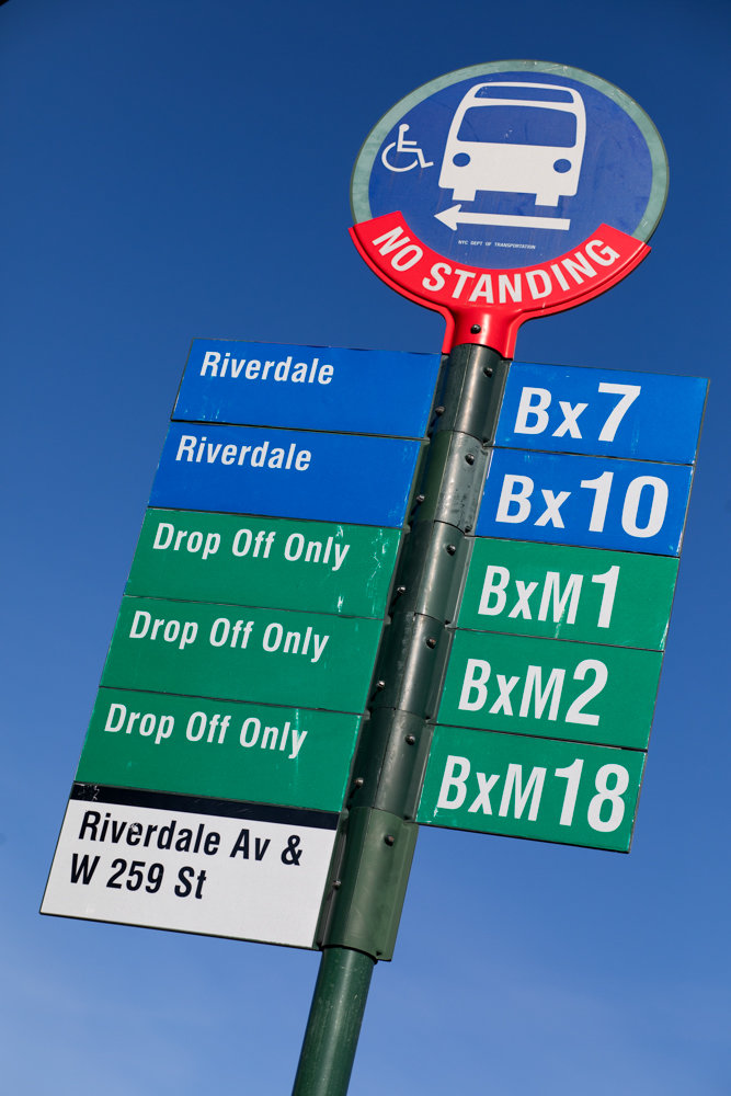 A bus sign on the southbound side of Riverdale Avenue and West 259th Street incorrectly indicates that it is a 'drop off only' spot for the BxM1, BxM2 and BxM18 buses, and marks Riverdale as a destination. A complaint to the city's 311 system filed last January received a response, but no follow-up — or fix.