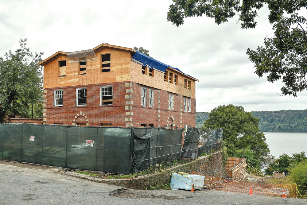 Previous renovations at 3061 Scenic Place were hotly contested since they ran afoul of SNAD regulations for the area. Parts of Riverdale fall under what is known as the Special Natural Area District — which it shares with Staten Island — but some in the community fear that projects like the one at Scenic Place would be overlooked by new city planning department rules.