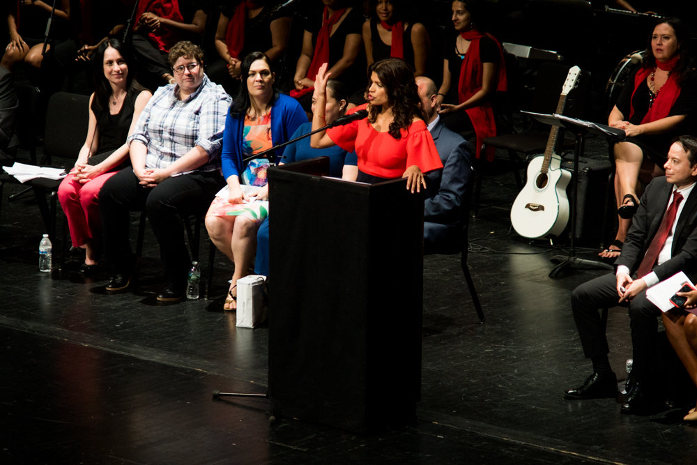 Actress Andrea Navedo talks about her journey from nearly being a high school dropout at DeWitt Clinton High School to a successful working actress during her keynote address to Clinton's graduating Class of 2019. Navedo stars as Xiomara Villanueva in 'Jane the Virgin.'