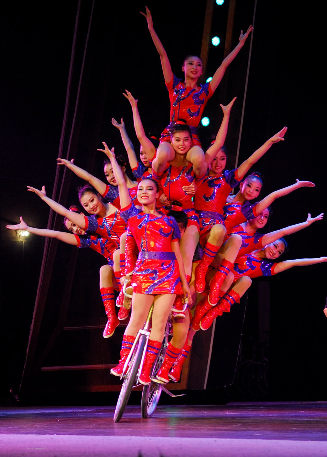 'Cirque Mei' will bring its blend of traditional and contemporary Chinese circus acts to the Lehman Center for the Performing Arts on Oct. 13.