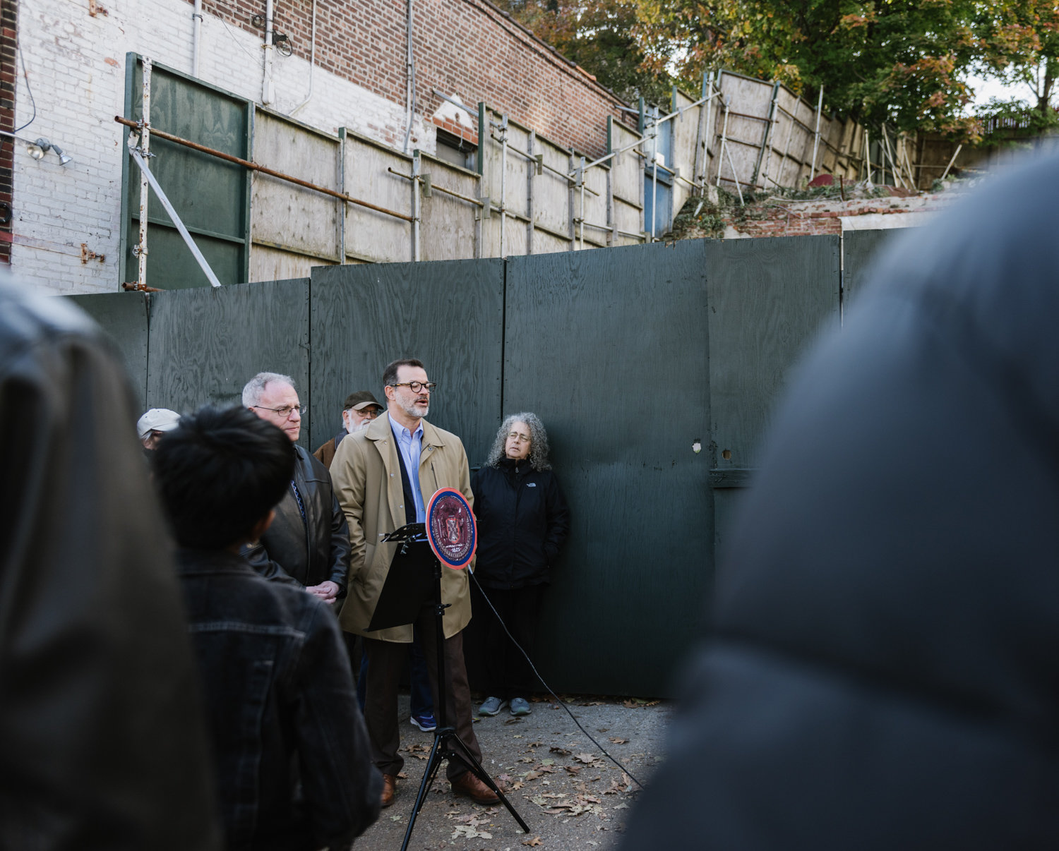 Councilman Andrew Cohen speaks against Montefiore Medical Center's reported plan to build a 10-story health care facility on the vacant lot at the intersection of West 238th Street and Riverdale Avenue.