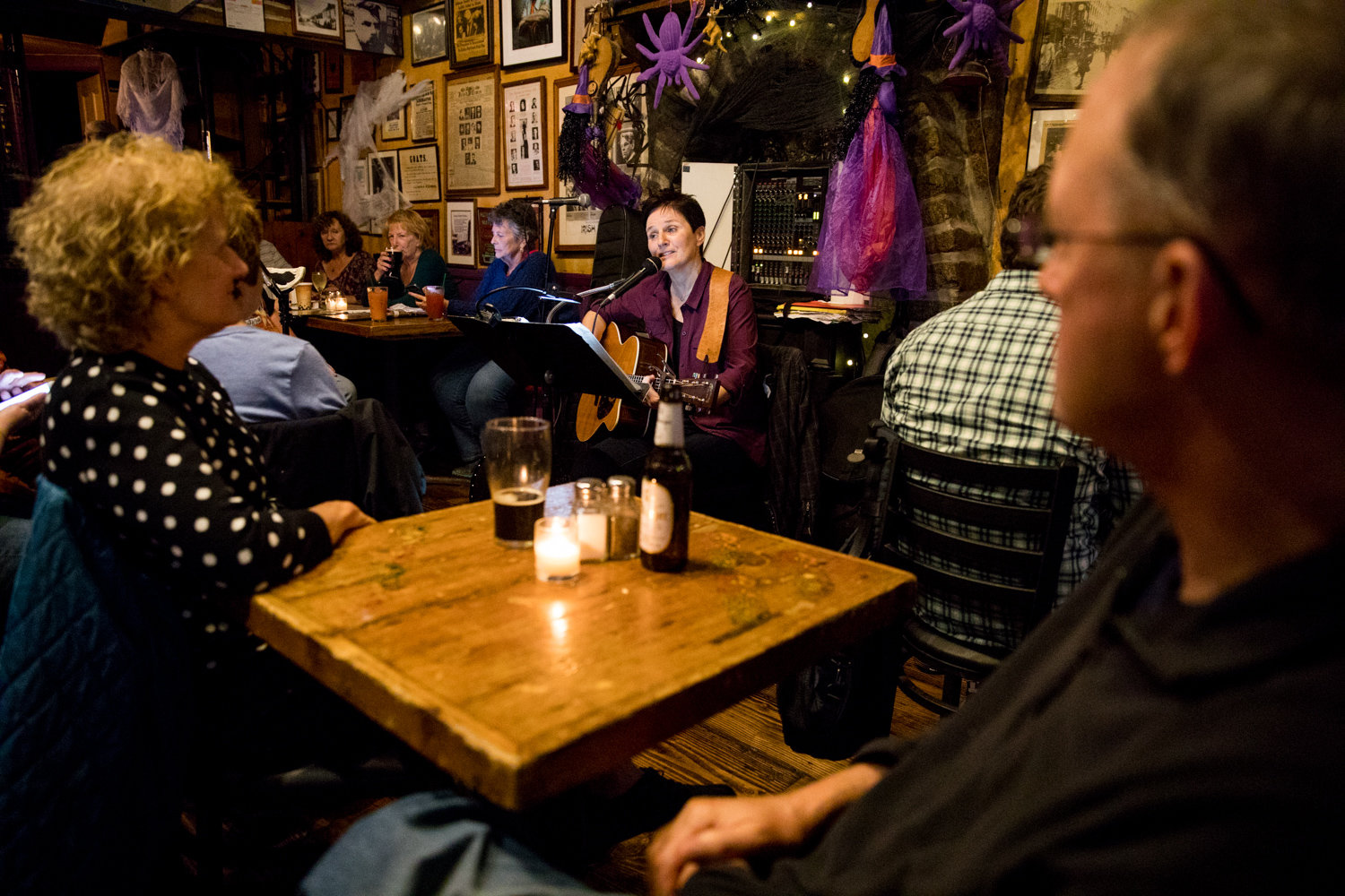 Music fills the space at An Beal Bocht Café every Friday night, which regularly hosts a variety of musical and cultural events, including poetry and theatre.