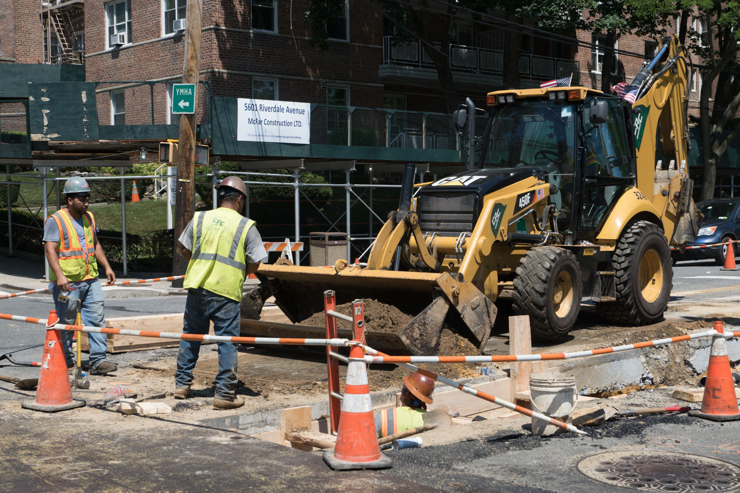 Where there's a street, there's probably going to be roadwork, like the kind seen in North Riverdale over the past year. The city's design and construction department is set to being replacing water mains on the western side of Jerome Park Reservoir beginning in mid-January.