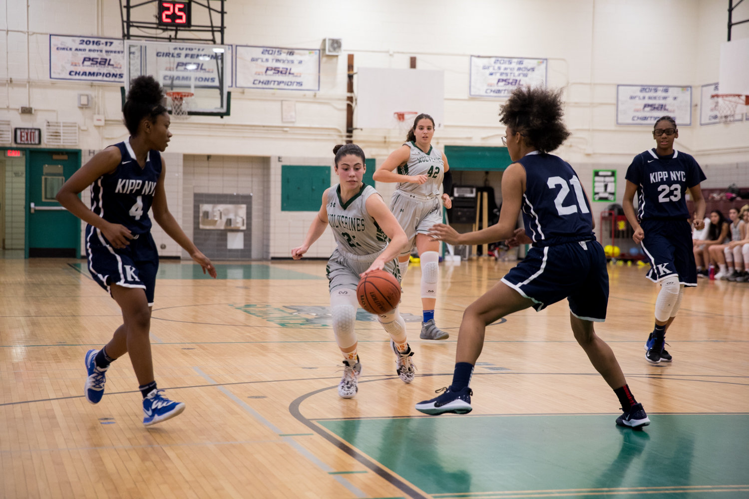 Bronx Science's Carolina Lopez had a team-high 16 points in the Wolverines' victory over Longwood, a win that clinched the division title for Science.