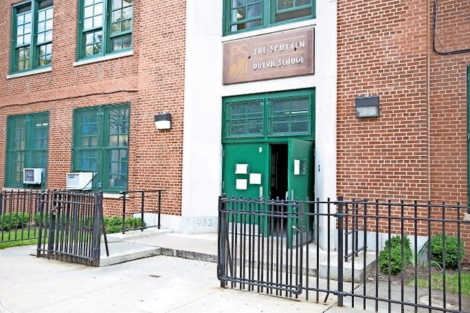 P.S. 24 Spuyten Duyvil lost its lease for extra classrooms designed to accommodate overcrowding in 2015. Now, five years later, many city schools are in the same position with overcrowding, searching for extra classrooms so students can both physically distance and learn in-person during the coronavirus pandemic.