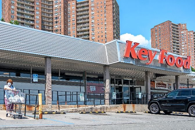 The Key Food at 5661 Riverdale Ave., is one of a small number of grocery stores in North Riverdale that, until earlier this month, had union employees. After they were abruptly laid off earlier this month, those employees have returned to the Skyview Shopping Center trying to raise awareness of their situation.