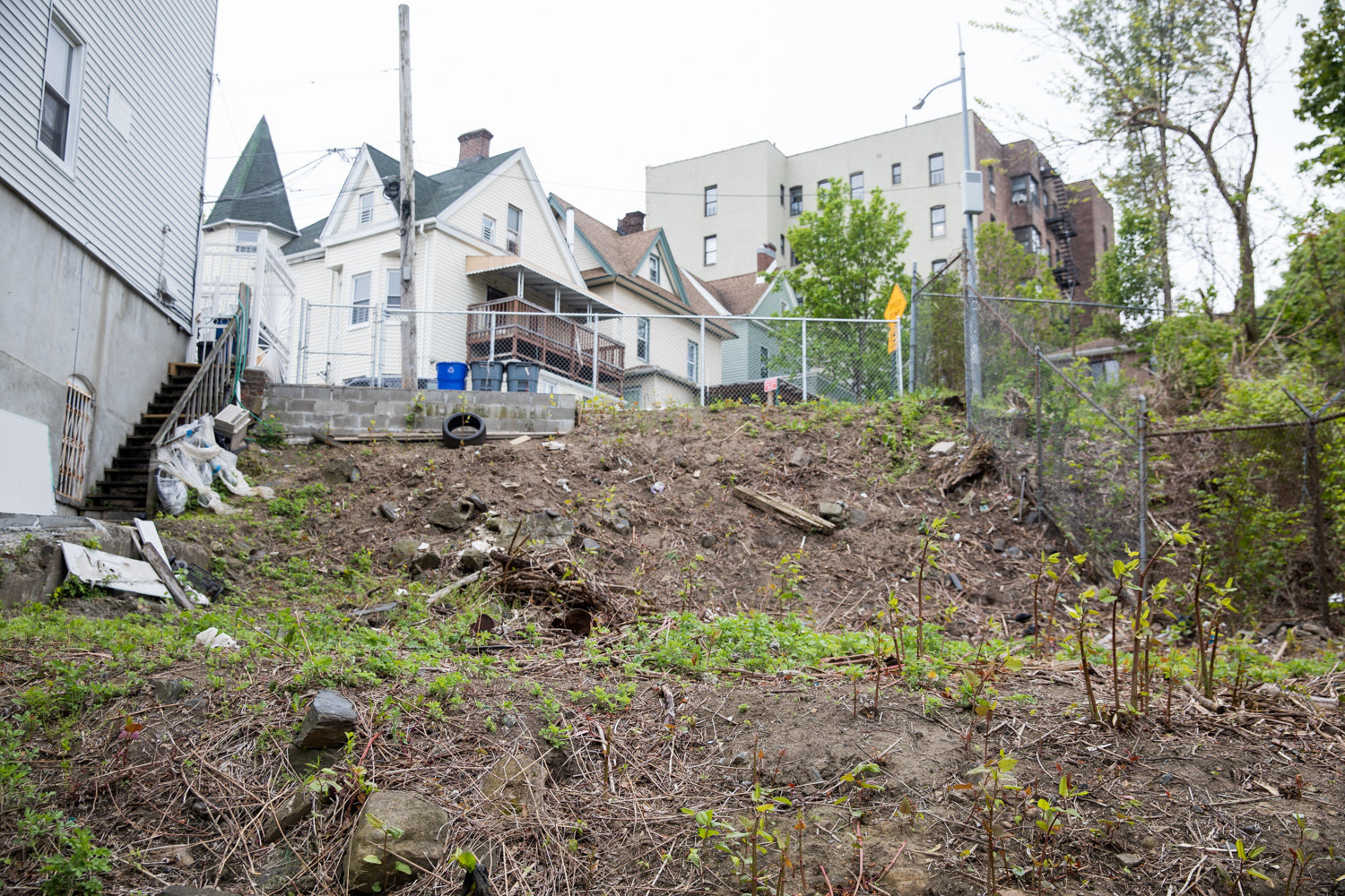 It's nothing but bramble and patches of grass on the empty lot at 7-15 Terrace View Ave. But if one developer is successful, — and that's a big if — it could become the site of a new seven-story apartment building in the Marble Hill neighborhood.