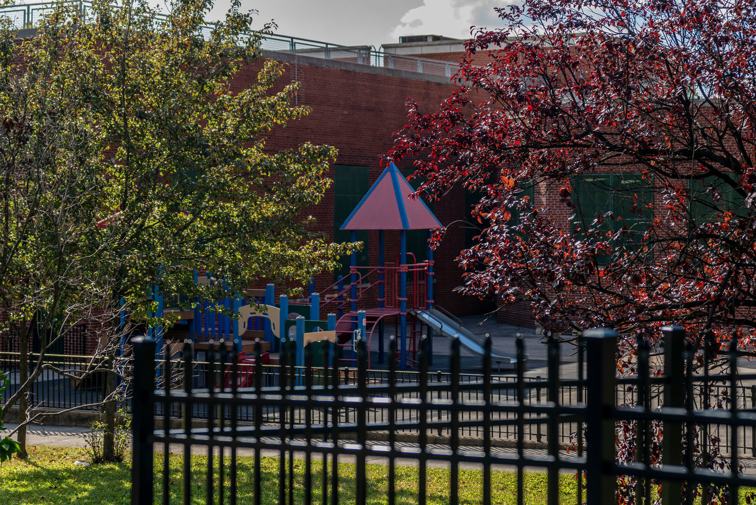 The playground at P.S. 24 Spuyten Duyvil will likely look a bit different this year, with mask wearing and social distancing strictly enforced. And while schools in this part of the Bronx are largely devoid of issues for the time being, daily coronavirus test rates are seeing an uptick in some parts of Brooklyn and Queens.