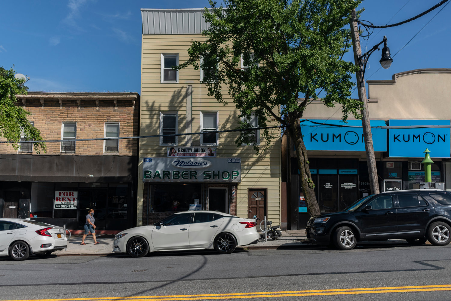 Two Kumon signs — but no Mathnasium signs — remain along Riverdale Avenue between West 259th and West 260th streets.