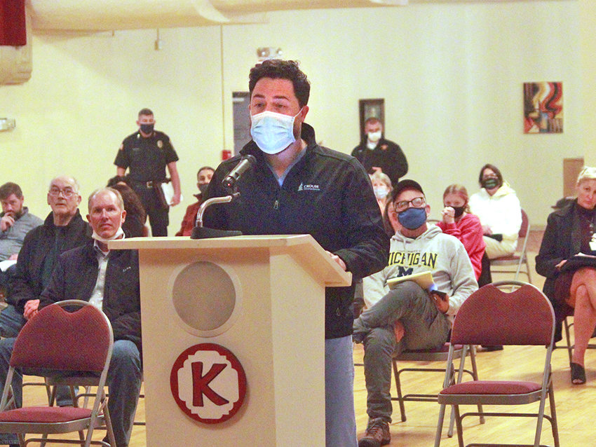 CATS IN THE CITY — Oneida resident Evan Belanger speaks at the Oneida Common Council meeting on Tuesday, at the Kallet Civic Center. Residents spoke out for and against a city proposal on dealing with the community's problems with feral cats.