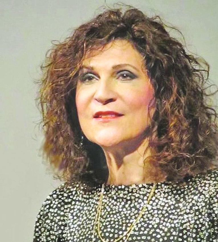 Leonarda Priore,  mezzo-soprano