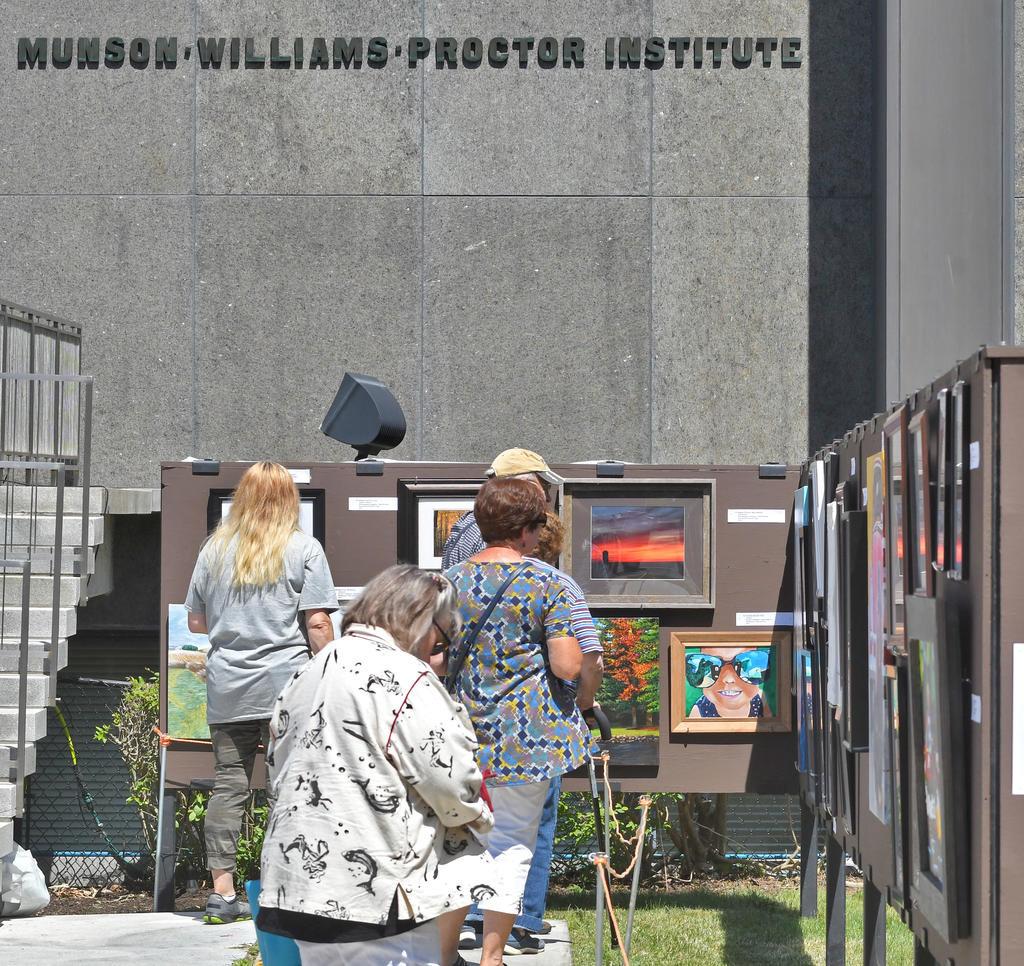 Sidewalk Art Show Captivates Crowds At Mwpai In Utica Rome Daily Sentinel