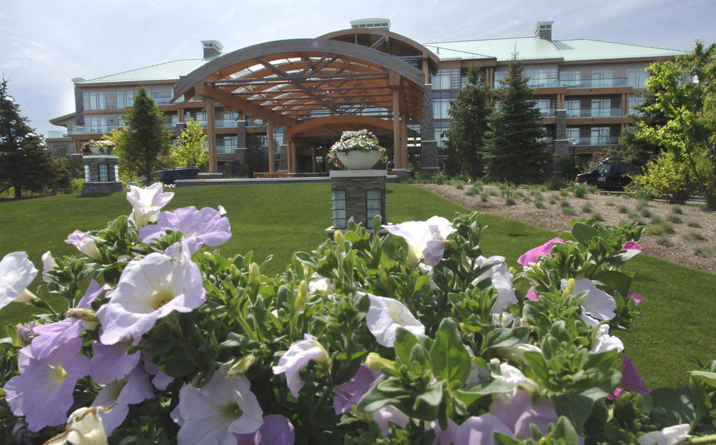 FOUR DIAMONDS — The Lodge at Turning Stone Resort Casino, shown in this file photo with flowers in the foreground, has received a prestigious Four Diamond designation from AAA Western and Central New York.  (Sentinel file photo by John Clifford)