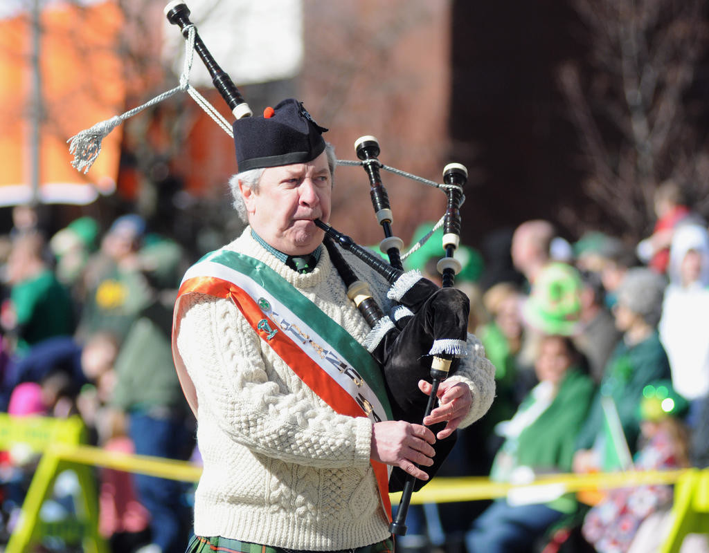 A bag piper leading off the parade.  (Sentinel photo by Makenzi Enos)