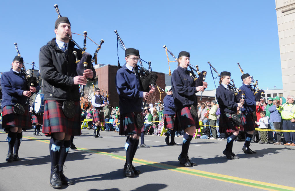 The Scotia Glenville Pipe Band performing authentic Irish sounds.  (Sentinel photo by Makenzi Enos)