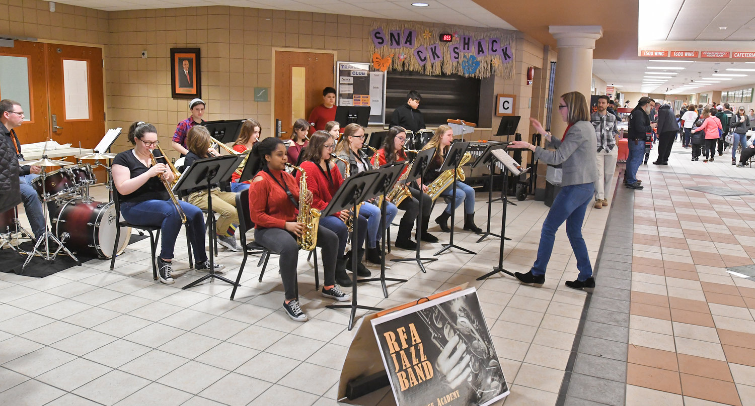 The RFA Jazz band greeting Heart walkers this morning in te hallway at the school.
