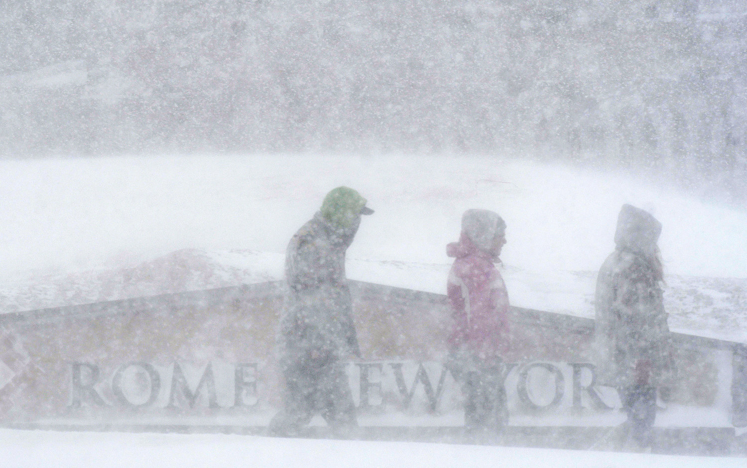Snow, wind snarl area travel   Rome Daily Sentinel