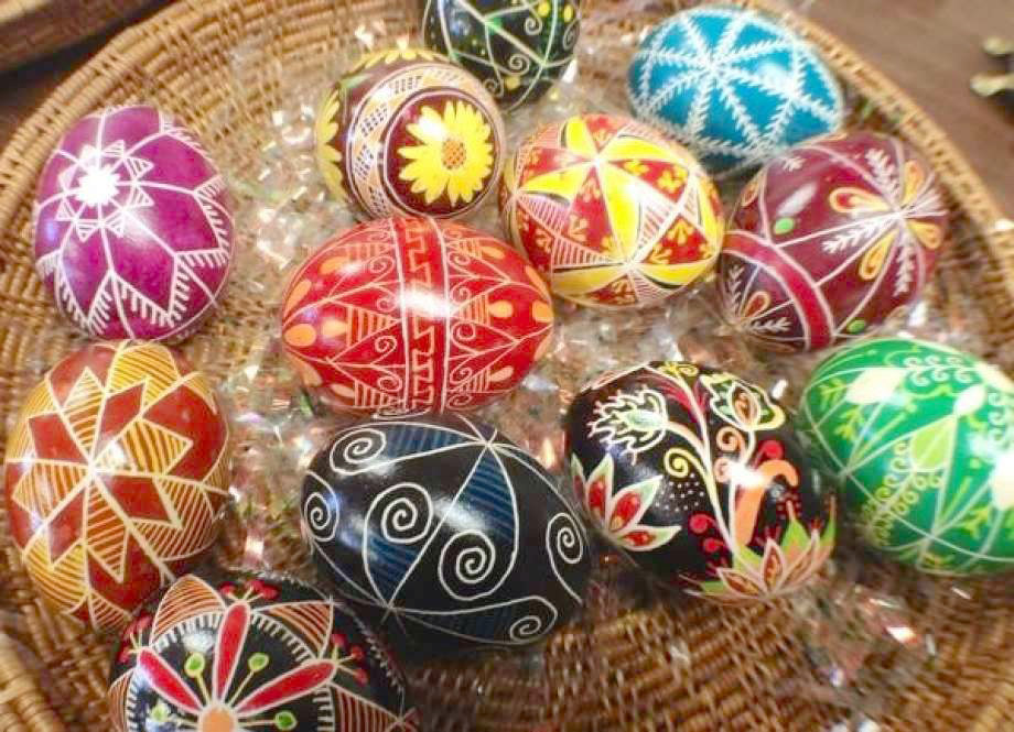 Pysanka Eggs — The Sherrill Kenwood Library will hold a Ukrainian Pysanka Egg Workshop instructed by Linda Evans, from 10 a.m. to 2 p.m. Saturday, March 30. Cost is $30. Class size is limited to 20, and pre-registration is required by calling the library at 315-363 -5980.