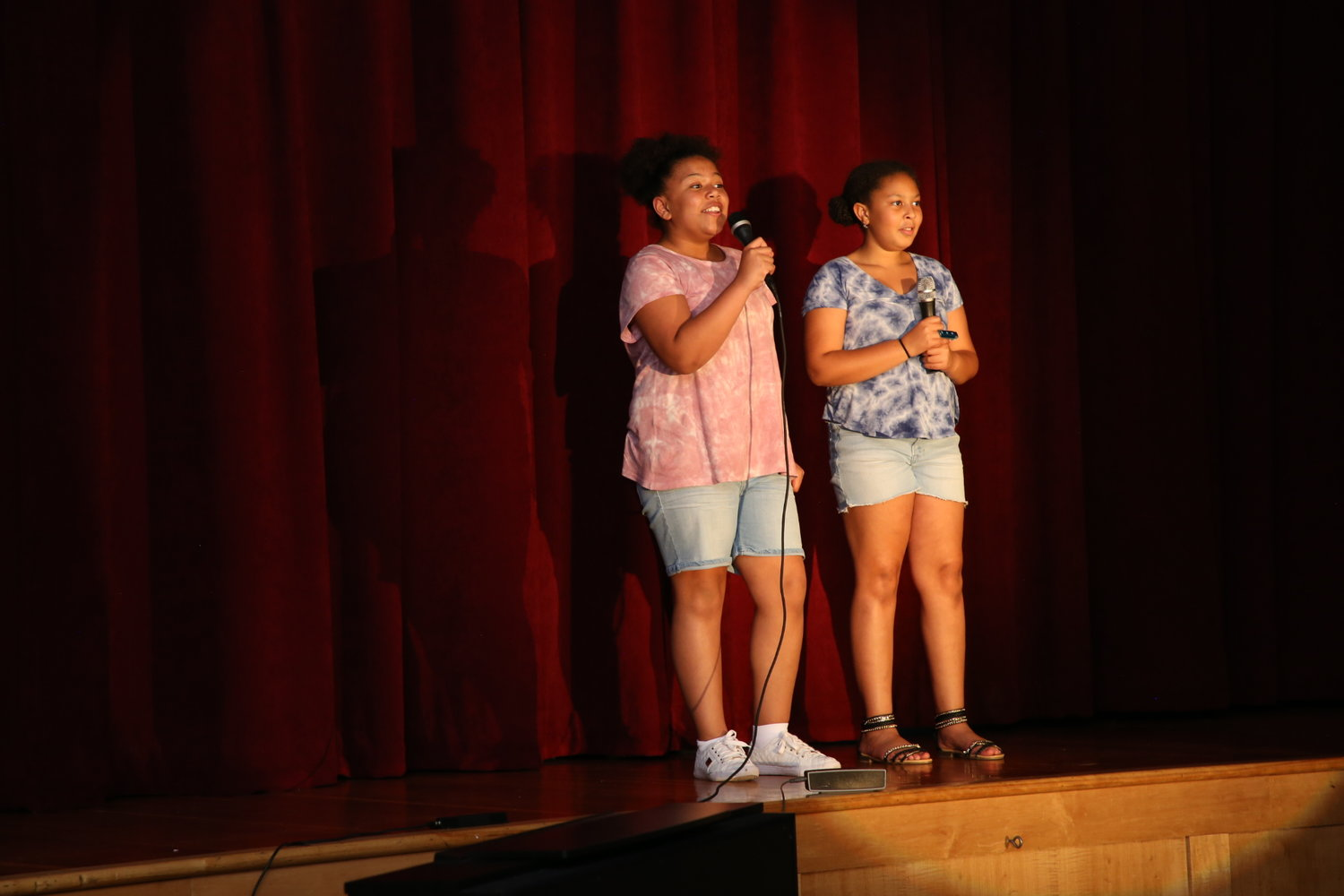 "Camryn Clark & Janai Haden- Sang ""Talking to the Moon"" by Bruno Mars"